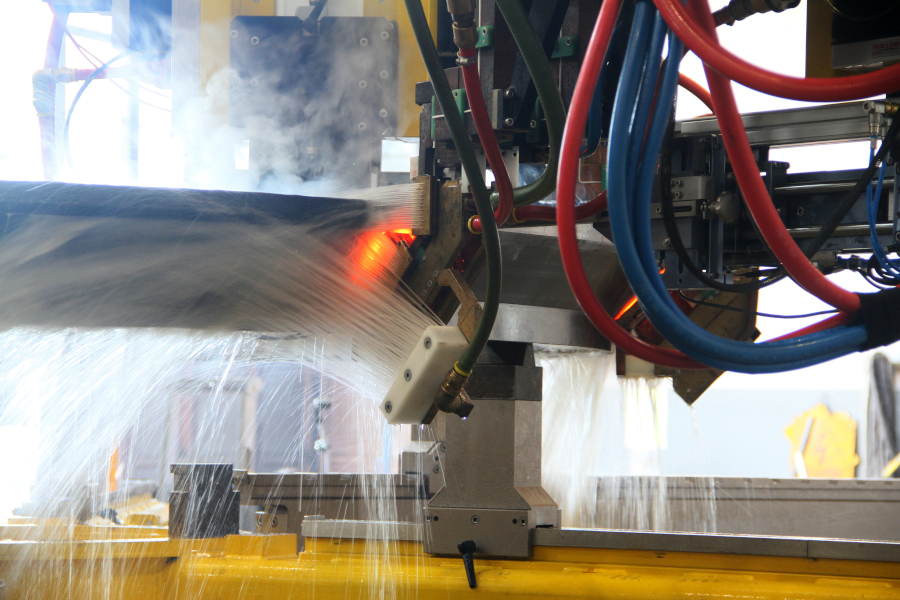 Surface hardening of large bearings: induction hardening or carburizing?